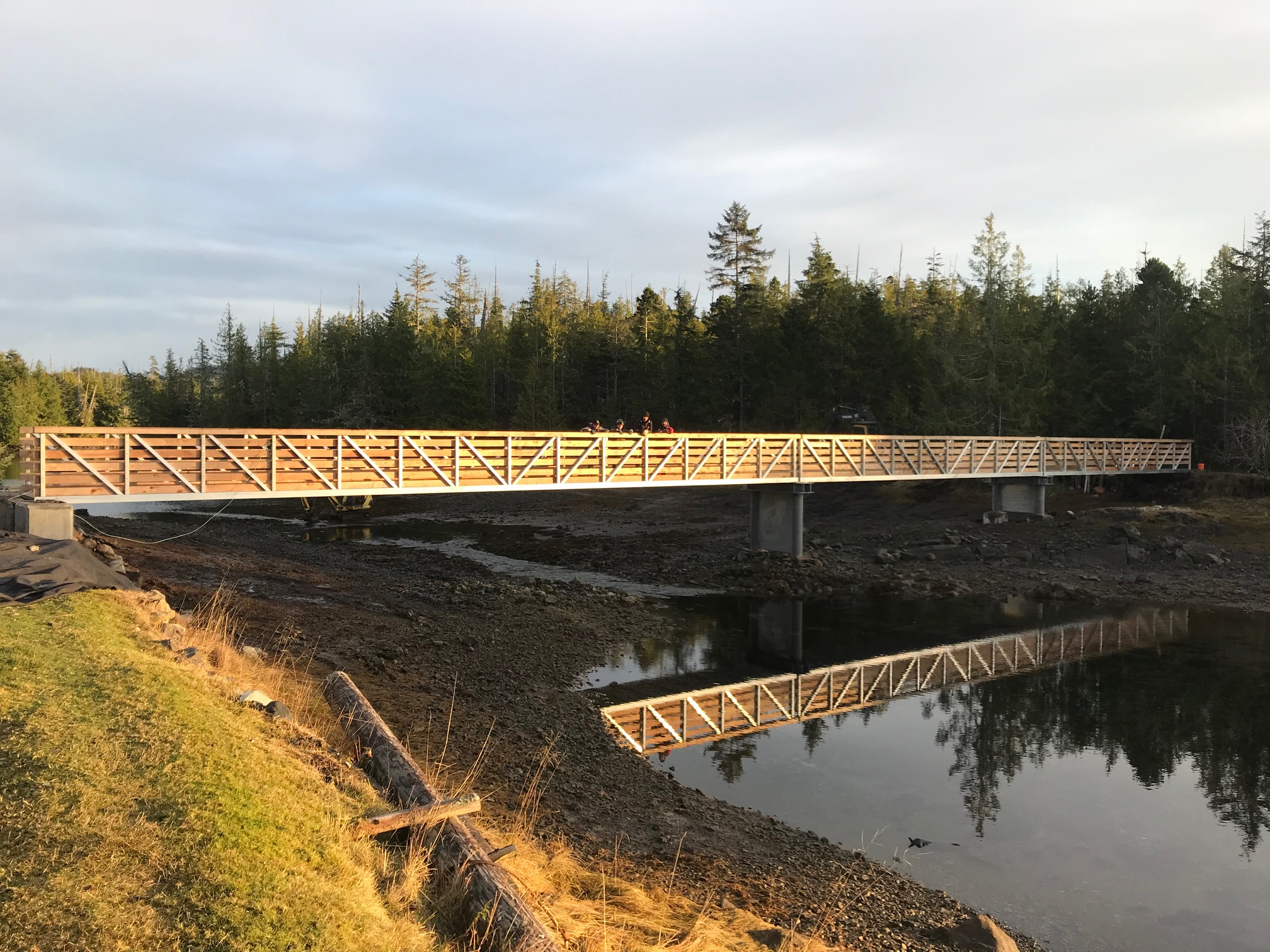 Hunts Island bridge installed